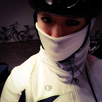 A collar makes all the difference to keep you warm on winter rides... especially on chilly descents!